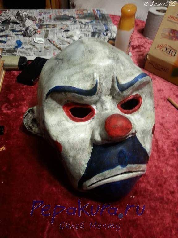 Затемнение маски Джокера